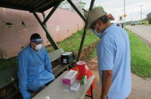 El Minsa realiza pruebas en los barrios con más casos.