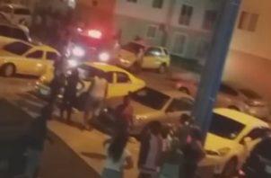 La Policía Nacional y el Ministerio Público estuvieron hasta horas de la madrugada del lunes, haciendo las averiguaciones de los tres casos.