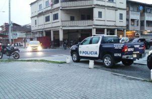 La víctima fue identificada como Ormelis Rodríguez de 21 años de edad, quien fue atacado en un edificio de la calle 9, Avenida Central.