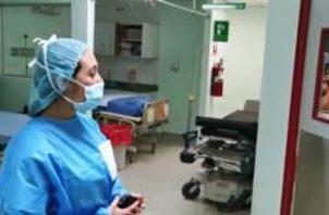 Los hospitales de la CSS y del Minsa se están quedando sin camas para atender a los pacientes de COVID-19.
