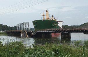 El Canal de Panamá inspeccionará la estructura del puente para evaluar el alcance de los daños.