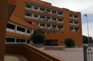 Sonia María González, de 71 años, quien debió ser ingresada al área de neumología de este hospital, según un dictamen médico, estuvo cinco días recluida en la sala uno de COVID-19.