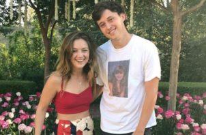 Billie Lourd y Austen Rydell. Instagram