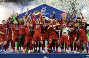 Liverpool campeón de la temporada pasada fue eliminado en el actual torneo por Atlético Madrid. Foto:EFE