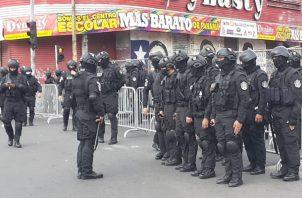 El dispositivo de seguridad busca frenar las protestas anunciadas para hoy. Foto Víctor Arosemena