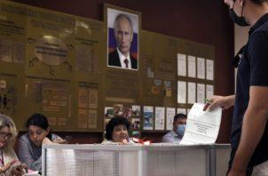 El presidente ruso, Vladímir Putin, puede ejercer otros dos mandatos presidenciales hasta 2036. Fotos: EFE.