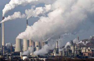 Los gobiernos y las empresas no están abordando las inversiones. EFE