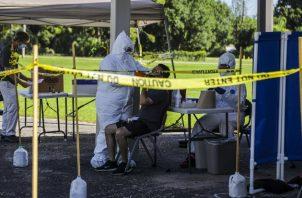 Médicos Sin Fronteras llegó para ayudar con las pruebas del coronavirus. Una clínica ambulatoria en Immokalee, área en Florida con granjas de tomate. Foto / Saul Martinez para The New York Times.