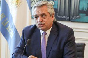 Argentina presentó su primera propuesta en abril pero ante la baja adhesión que generó entre los tenedores de bonos. Foto/EFE