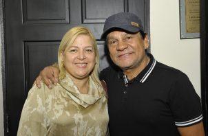 """Roberto """"Manos de Piedra"""" Durán junto a su esposa Felicidad."""