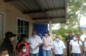 Otras cuatro casas improvisadas en el distrito de Olá en la provincia de Coclé, fueron reemplazadas por el Ministerio de Vivienda y Ordenamiento Territorial.
