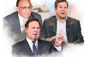 Expresidente Juan Carlos Varela junto a su hermano José Luis Varela y exministro Alcibiades Vásquez