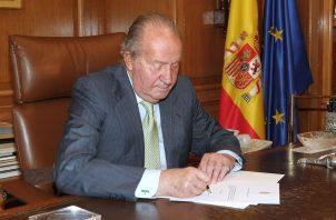 El rey emérito de España, Juan Carlos I, alega que fue una donación.