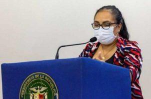 Lourdes Moreno brinda la actualización de casos de COVID-19 en Panamá.