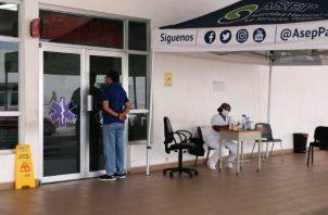 Se informó que una persona se encuentra hospitalizada en la sala para atención de pacientes Covid-19 de la región de Azuero, ubicada en el hospital Anita Moreno de Los Santos.