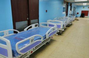 Los pacientes que han ingresado a la sala de COVID-19, son en su mayoría, adultos mayores y personas que tienen otras morbilidades.