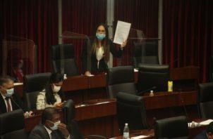 Diputados manifiestan que hay varios proyectos por discutir que pueden aliviar la crisis de la pandemia. Archivo.
