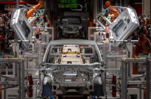 Un fabricante chino de electrodomésticos compró a Kuka, firma alemana de robótica, causando alarma. Foto/ Uwe Meinhold/EPA, vía Shutterstock.
