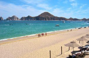 México se consolidó en 2019 como uno de los 10 países más visitados del mundo y la industria turística aporta el 8.7% al PIB. EFE