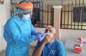Varios países prueban la  vacuna contra la COVID-19, la cual podría estar lista este año o los primeros meses del 2021.