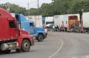Por la pandemia, el transporte de carga ha experimentado problemas para el tránsito por Costa Rica. Fotos: Archivo/Ilustrativa.