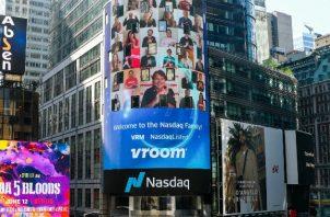 Vroom, que vende autos usados en línea, anunció hace poco su OPI en Nueva York. Foto / vía Nasdaq, Inc.