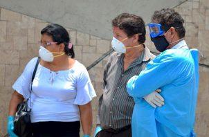 La ciudad de Guayaquil, cabecera de Guayas, pasó del color rojo al amarillo en el semáforo epidemiológico el 20 de mayo, aunque sigue aglutinando el mayor número de casos en el país.