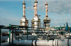 """OCP informó en un comunicado de que suspendió el bombeo de crudo """"como medida preventiva ante un deslizamiento. EFE"""