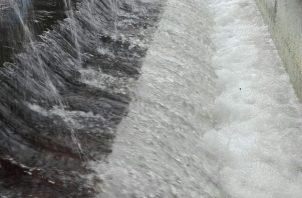 Una vez bajen los niveles de agua y la turbiedad se pondrán en funcionamiento las potabilizadoras lo que podría tomar algo de tiempo.