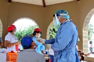 El Minsa anunció este martes que realizó 2.144 pruebas nuevas de contagio de COVID-19 en las últimas 24 horas. Foto @MINSAPma