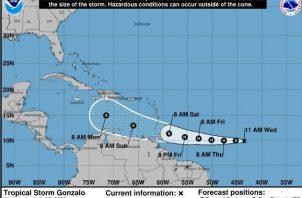 Imagen de la NOAA (EE.UU). con la localización de la tormenta tropical Gonzalo en el Atlántico este miércoles. Fotos: EFE.