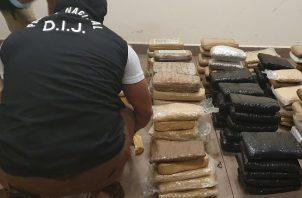 La droga y el bote fueron trasladados a una de las sedes de la Policía Nacional en Chame para proseguir con las investigaciones.