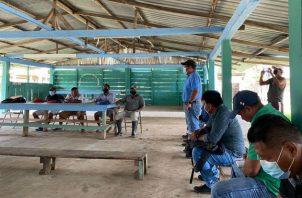 La reunión fue en la comunidad de Corozal, corregimiento Manuel Ortega. Fotos: Cortesía.