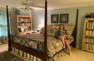 Una fotografía proporcionada por Alex Rose donde aparece en su habitación de la infancia en Austin, Texas. (Alex Rose vía The New York Times)