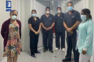 Lourdes Moreno durante una visita al hospital modular.