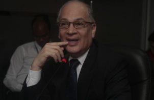 Procurador de la Administración, Rigoberto González, confirma viabilidad de descuento voluntario a funcionarios.