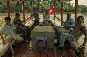 """Soldados negros por fin tienen su propia historia en """"Da 5 Bloods"""", pero vietnamitas solo son """"extras"""". Foto / David Lee/Netflix."""