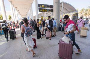 Varias aerolíneas han anunciado ya la reapertura de frecuencias internacionales con la capital ecuatoriana, entre ellas Aeroméxico. EFE