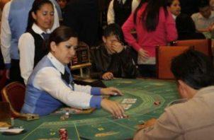 Las industrias de juegos de azar aportan al Estado 75 millones de dólares anuales en tasa de juego.