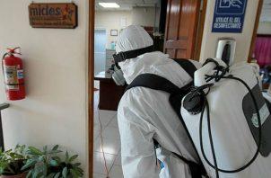 En la limpieza de las instalaciones se utiliza Hipoclorito de Amonio al 10%. Fotos: Mayra Madrid.