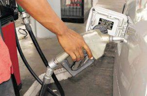 La gasolina mantiene su precio.