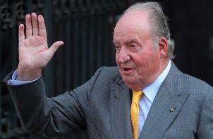 Juan Carlos I abandona España ante el escándalo por sus presuntos negocios