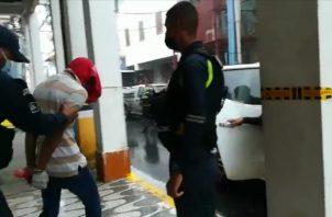 Jean Carlos Hernández, de 21 años de edad, permanecerá seis meses detenido mientras duren las investigaciones. FOTO/DIOMEDES SÁNCHEZ