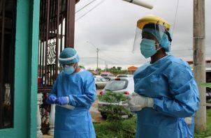 Personal del Minsa sigue realizando pruebas de hisopados en diferentes puntos del país.