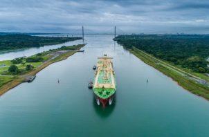 El buque inició su tránsito en las esclusas de Agua Clara, en la provincia de Colón.