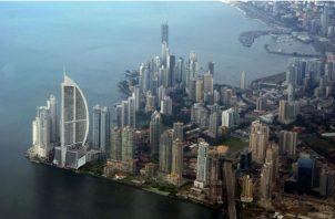 La estrategia del Panamá Hub Digital hay cuatro pilares: talento humano, infraestructura física y socia, marco legal y regulatorio, recursos financieros.