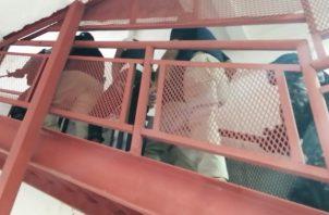 """Momentos de la llegada de """"Niño"""" a las instalaciones del Sistema Penal Acusatorio. FOTO/DIOMEDES SÁNCHEZ"""