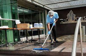 Además de la limpieza, está el proceso de desinfección, que es muy importante.
