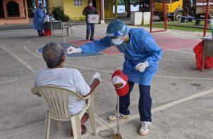Personal del Minsa sigue realizando pruebas de contagio de COVID-19 a nivel nacional.