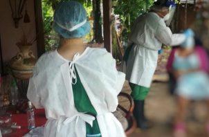 Minsa aplica pruebas a pacientes COVID-19 positivos y contactos en Chiriquí y Herrera. Foto Minsa